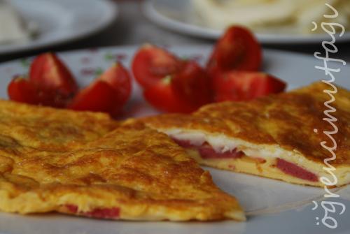 sosisli omlet
